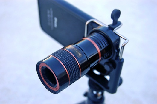 Mobile Phone Telescope Lens on the iPhone
